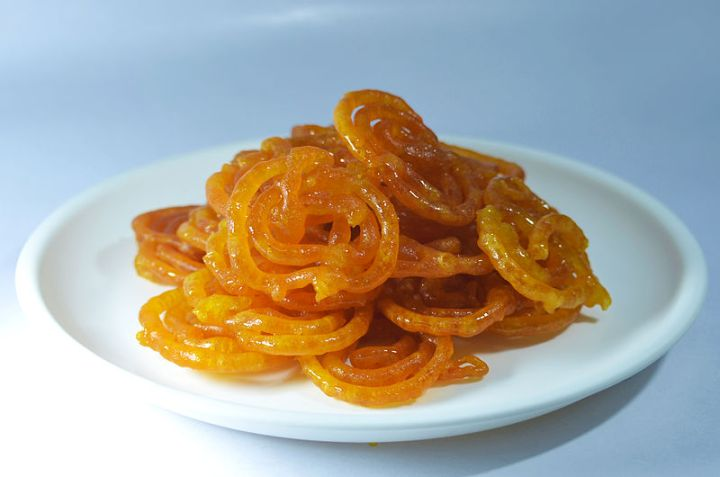 Jalebi_-_Served_in_a_Plate